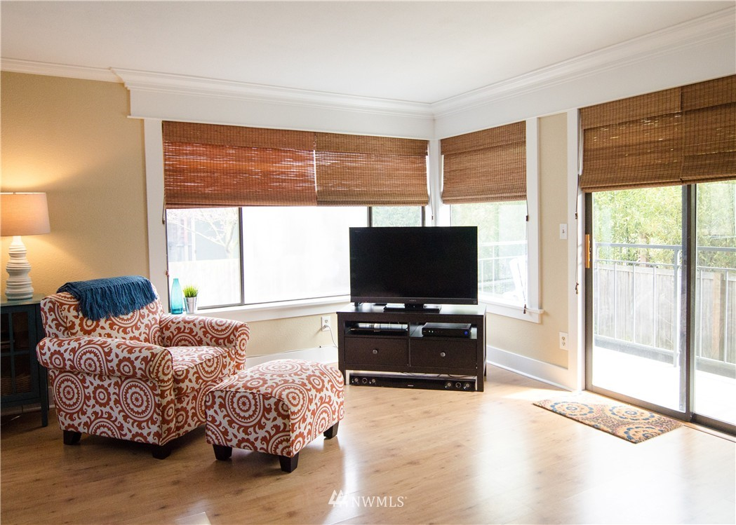 Sold Property   6200 24th Avenue NW #103 Seattle, WA 98107 4