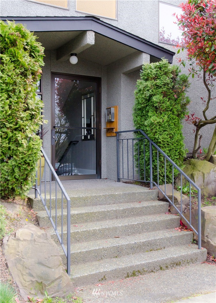 Sold Property   6200 24th Avenue NW #103 Seattle, WA 98107 16