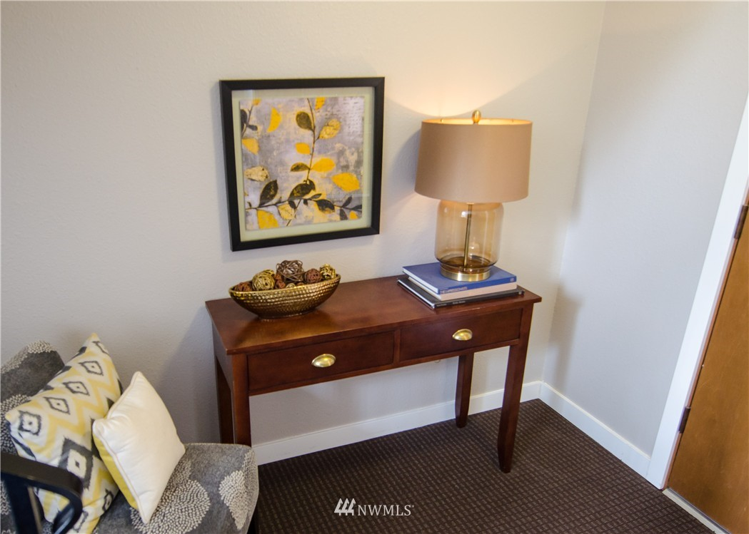 Sold Property   6200 24th Avenue NW #103 Seattle, WA 98107 19