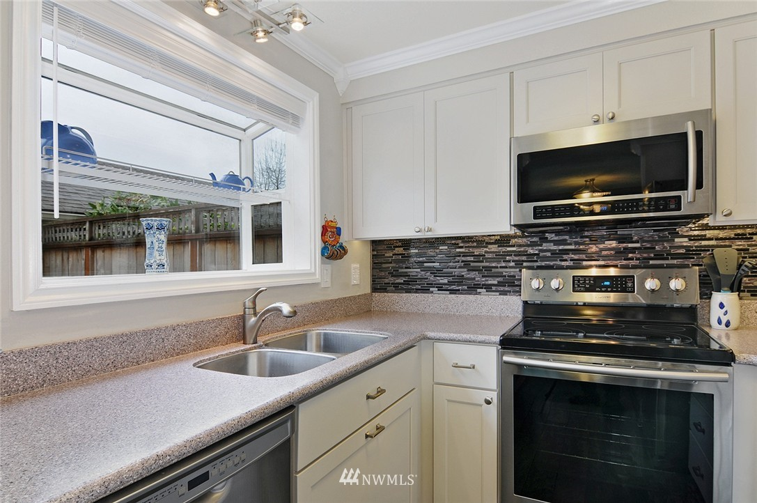 Sold Property | 5959 S 12th Street ##108 Tacoma, WA 98465 11