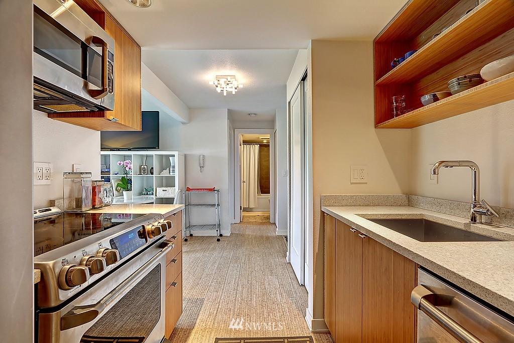 Sold Property   566 Highland Drive #302 Seattle, WA 98109 1