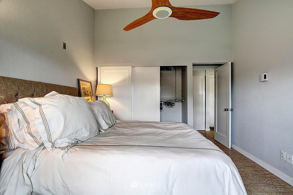 Sold Property   566 Highland Drive #302 Seattle, WA 98109 9