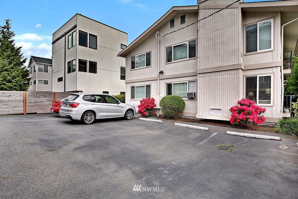 Sold Property   566 Highland Drive #302 Seattle, WA 98109 15