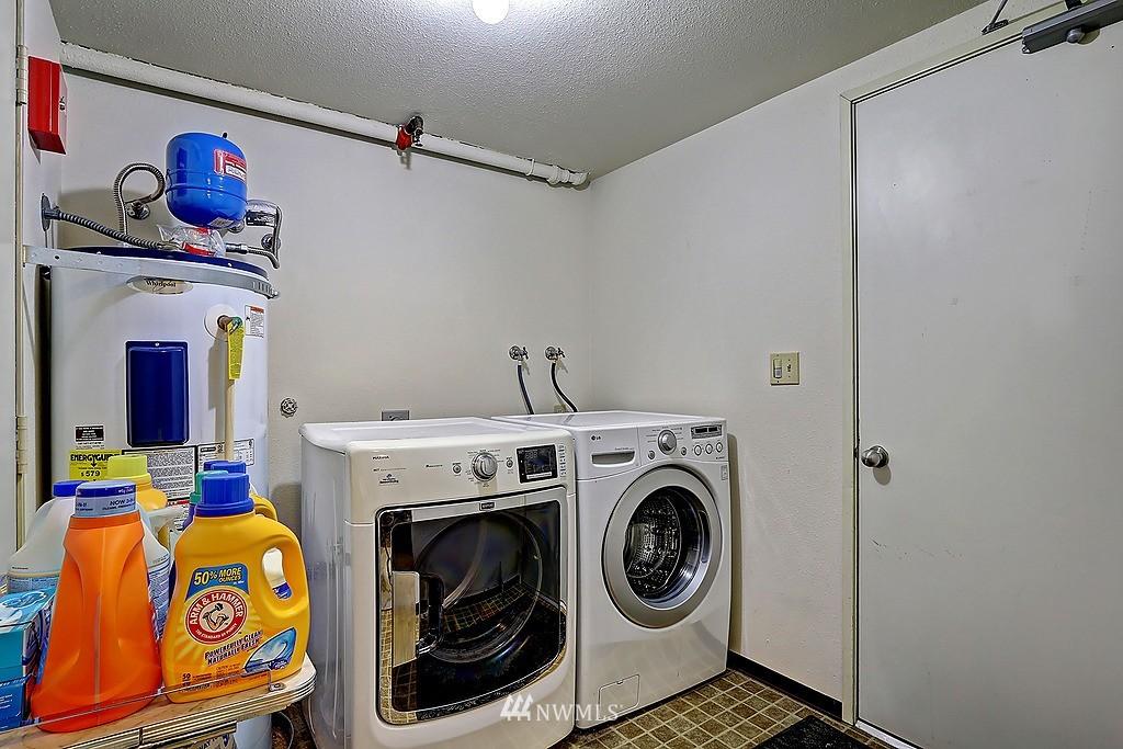 Sold Property   566 Highland Drive #302 Seattle, WA 98109 16