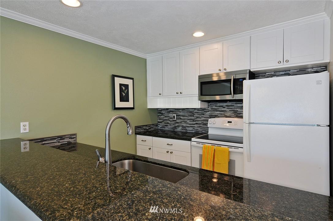 Sold Property   17431 Ambaum Boulevard S #D47 Burien, WA 98148 12