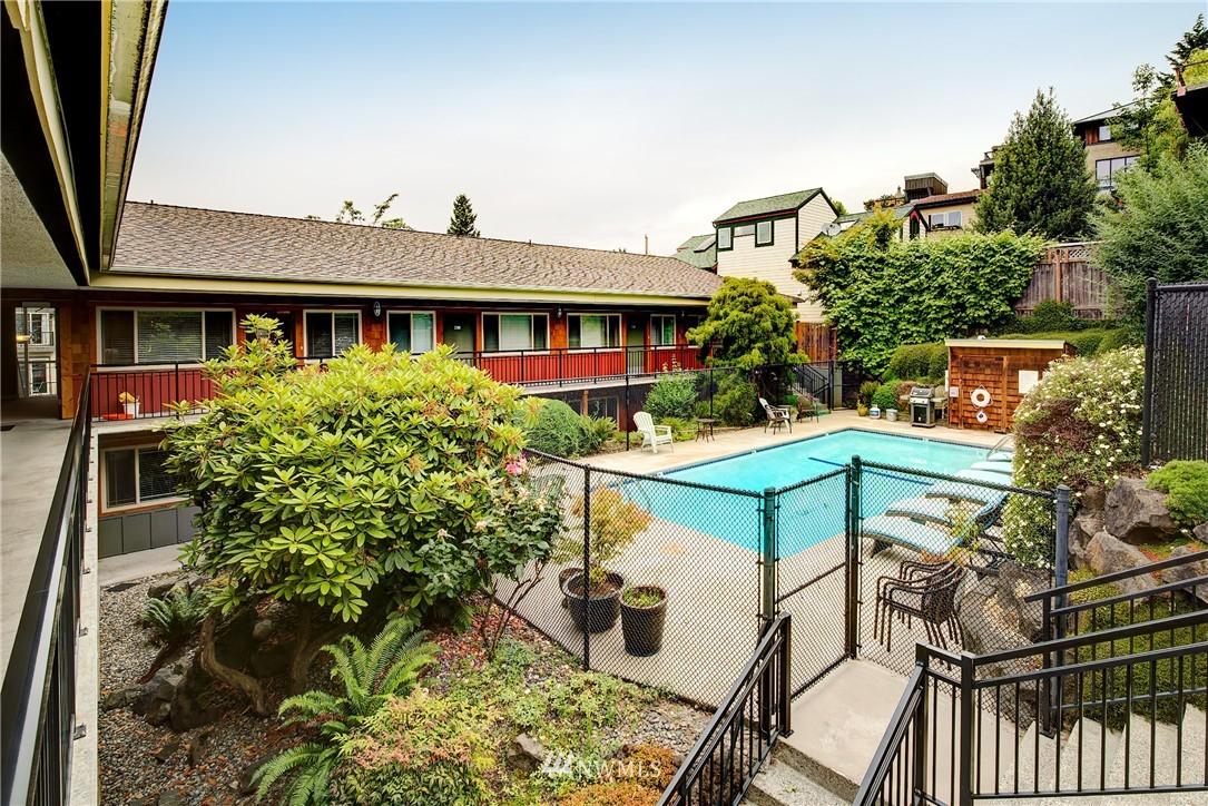 Sold Property | 3636 Evanston Avenue N #13 Seattle, WA 98103 8