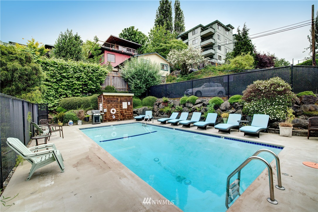 Sold Property | 3636 Evanston Avenue N #13 Seattle, WA 98103 9