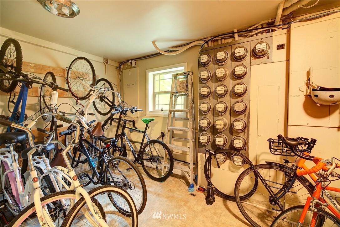 Sold Property | 3636 Evanston Avenue N #13 Seattle, WA 98103 10