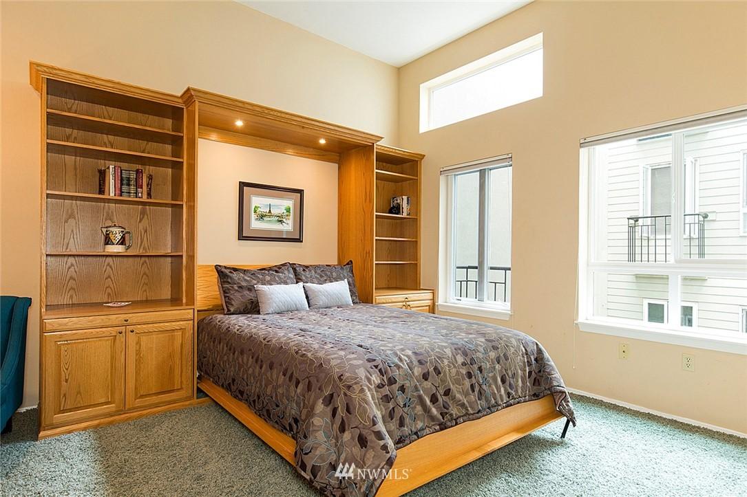 Sold Property   3028 Western Avenue #315 Seattle, WA 98121 4