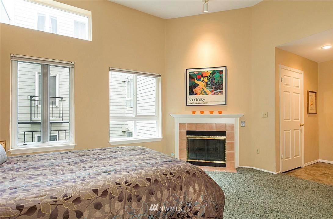 Sold Property   3028 Western Avenue #315 Seattle, WA 98121 5