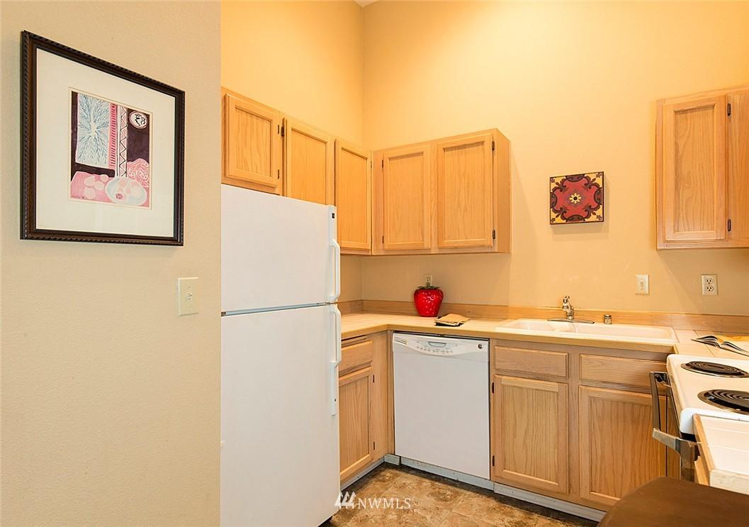 Sold Property   3028 Western Avenue #315 Seattle, WA 98121 8