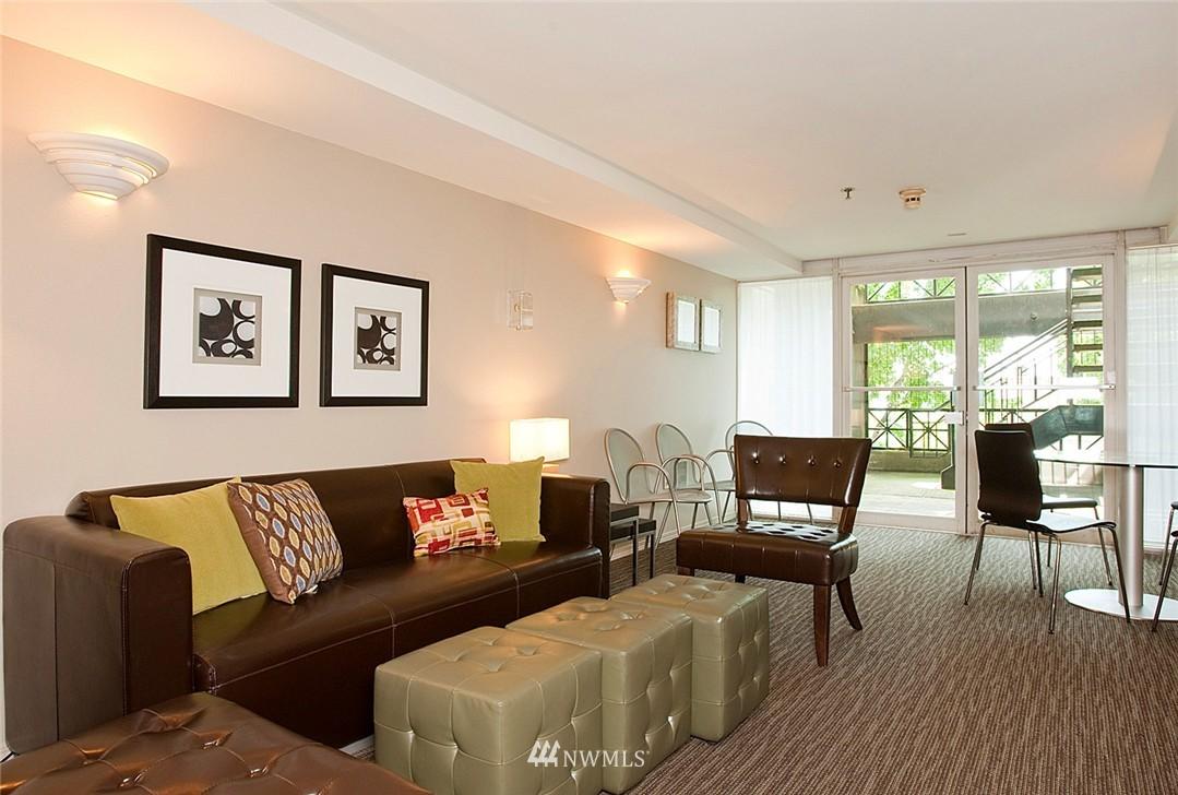 Sold Property   3028 Western Avenue #315 Seattle, WA 98121 16