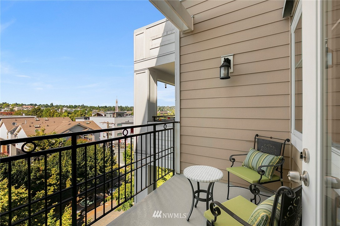 Sold Property | 1525 NW 57th Street #503 Seattle, WA 98107 11