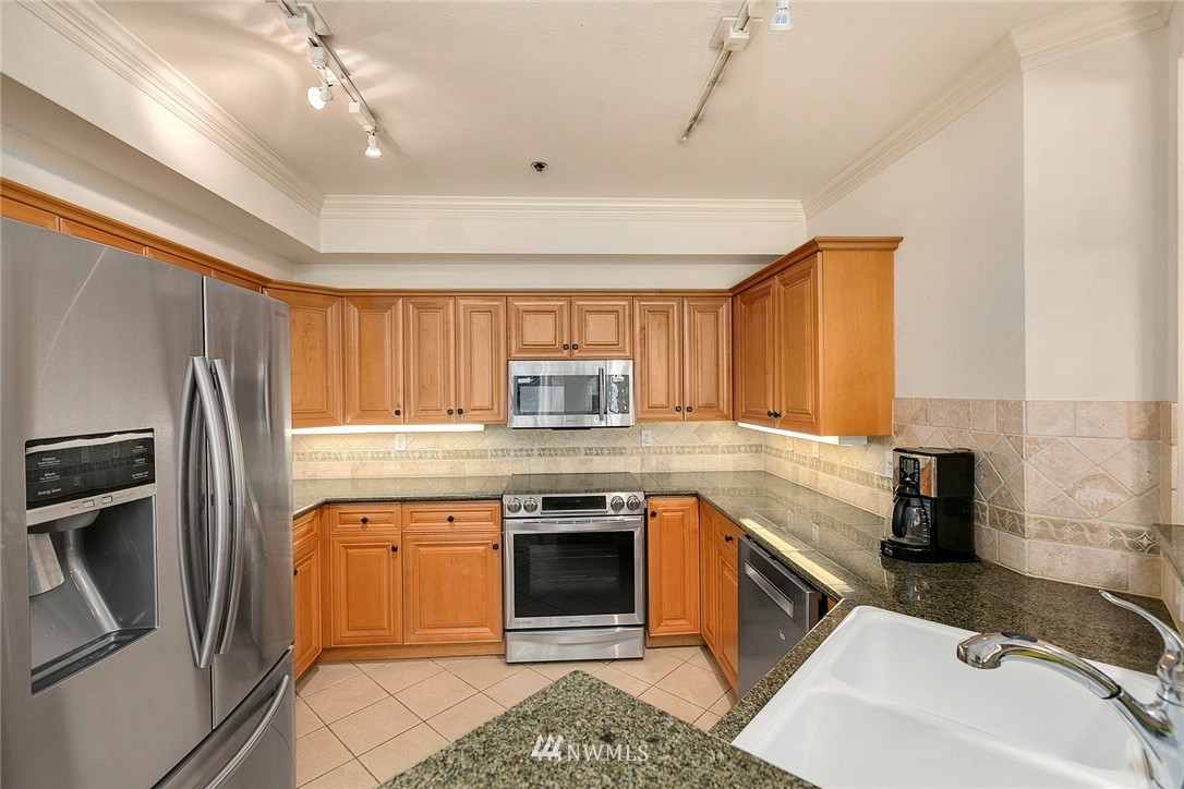Sold Property | 1525 NW 57th Street #503 Seattle, WA 98107 21