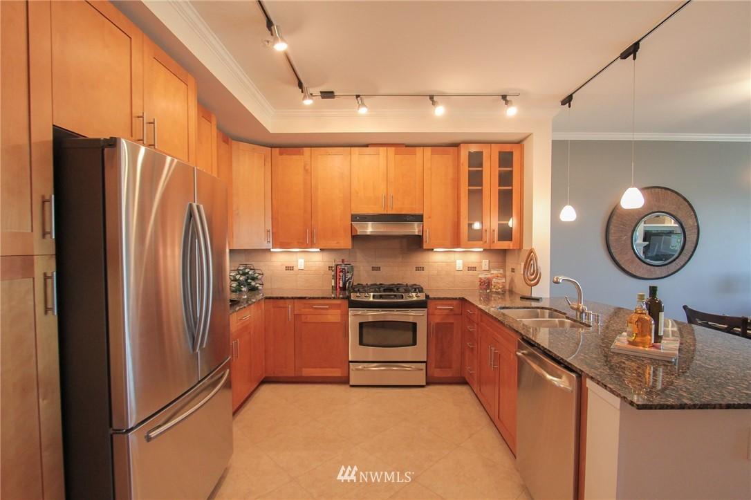 Sold Property | 18707 SE Newport Way #307 Issaquah, WA 98027 7