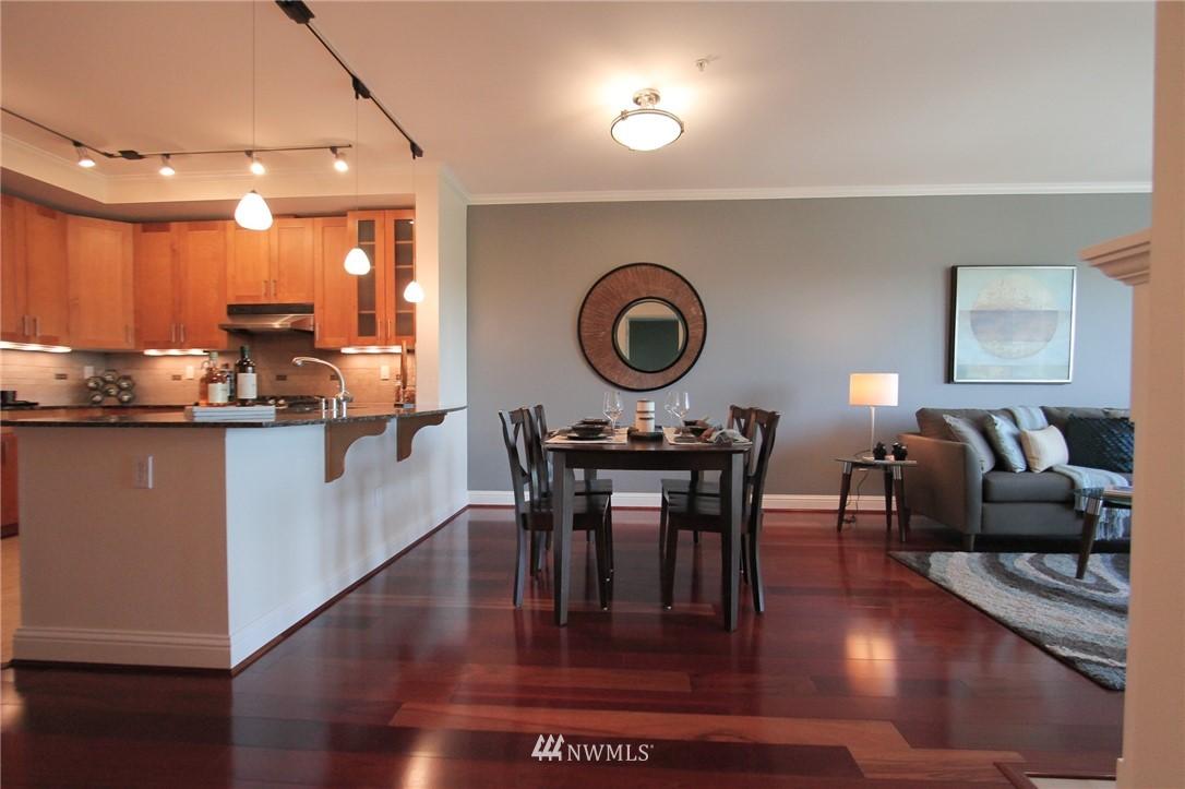 Sold Property | 18707 SE Newport Way #307 Issaquah, WA 98027 8