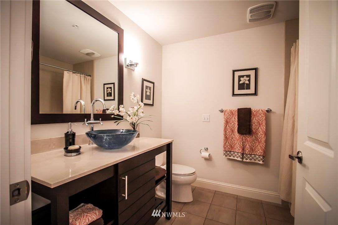 Sold Property | 18707 SE Newport Way #307 Issaquah, WA 98027 16