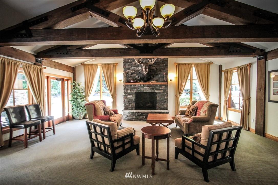 Sold Property | 18707 SE Newport Way #307 Issaquah, WA 98027 17