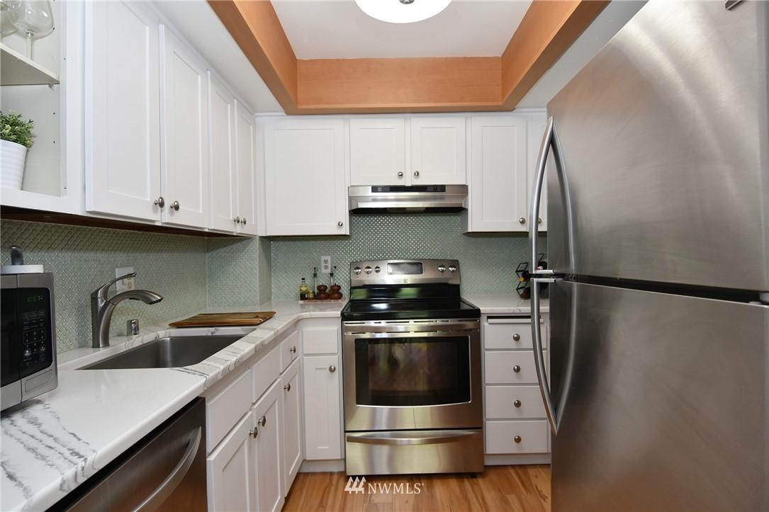 Sold Property   2001 E Yesler Way #48 Seattle, WA 98122 9