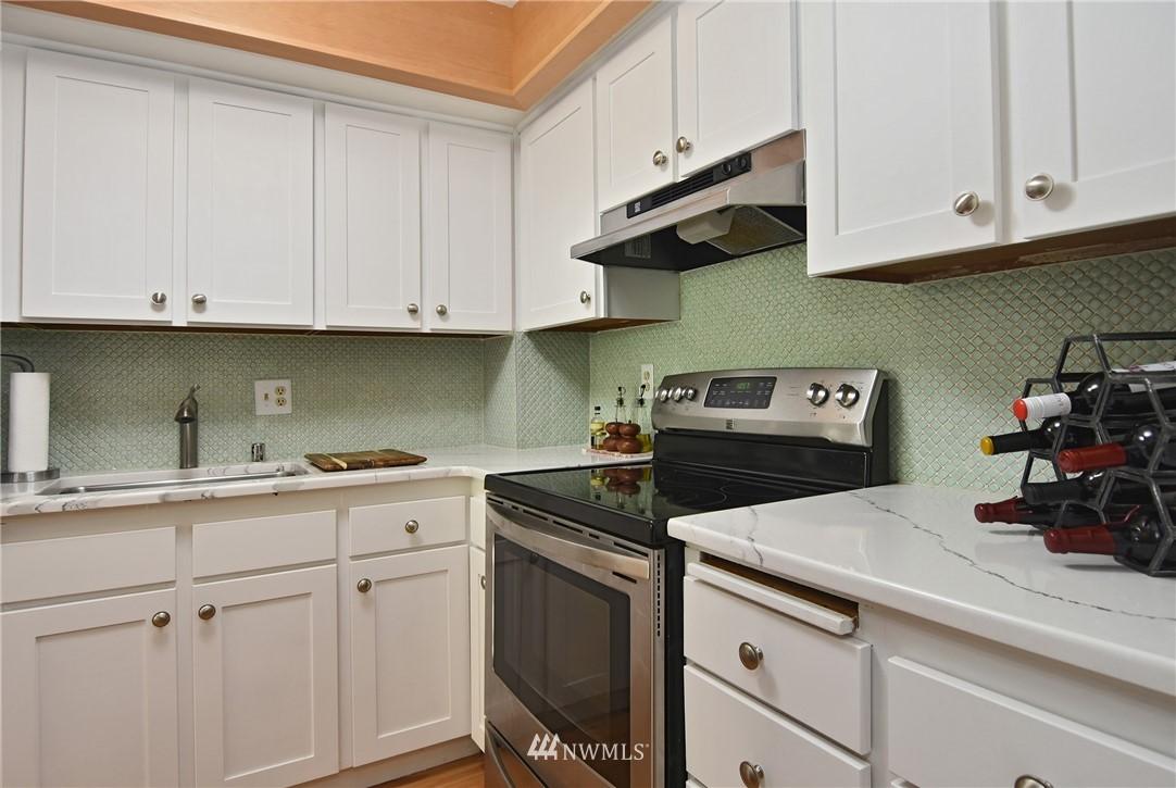 Sold Property   2001 E Yesler Way #48 Seattle, WA 98122 10