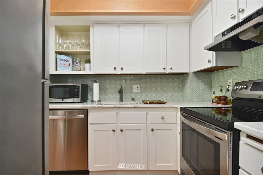 Sold Property   2001 E Yesler Way #48 Seattle, WA 98122 11