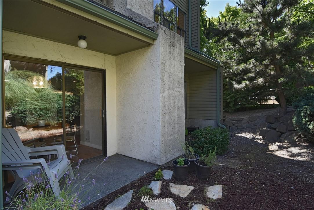 Sold Property   2001 E Yesler Way #48 Seattle, WA 98122 17