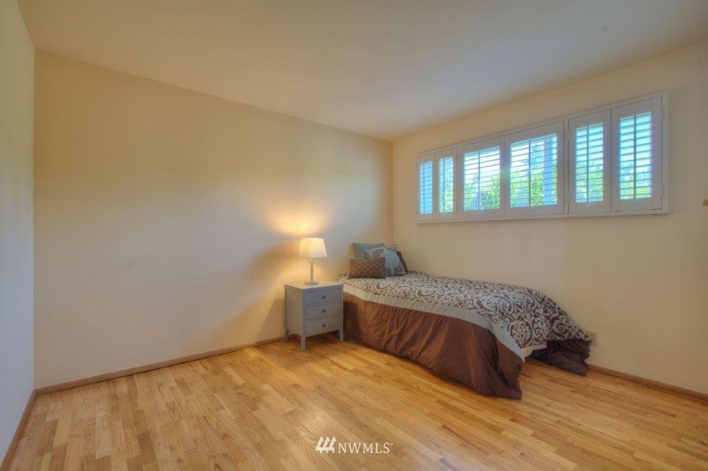 Sold Property   8649 21st Avenue NW Seattle, WA 98117 11