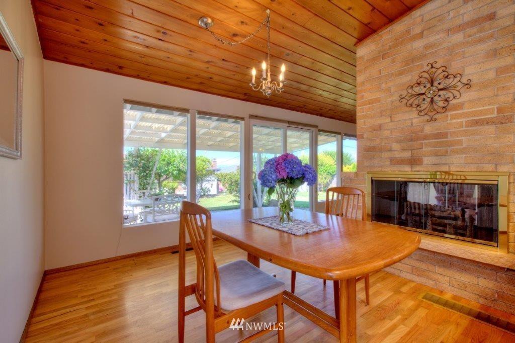 Sold Property   8649 21st Avenue NW Seattle, WA 98117 5