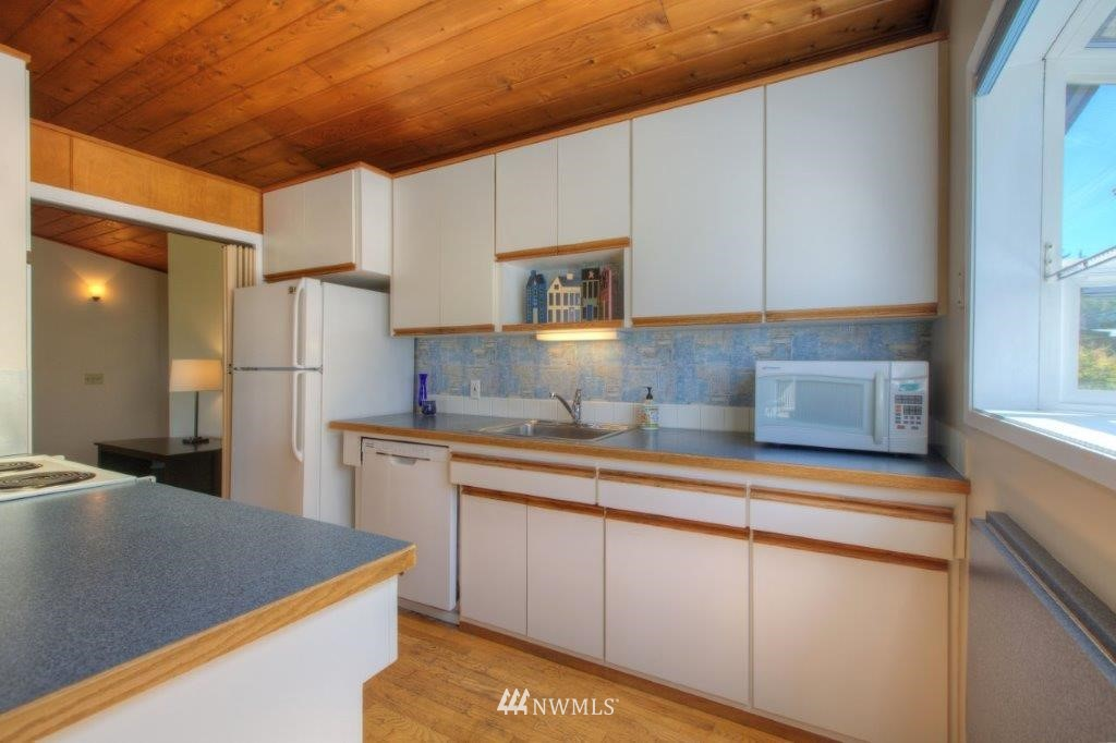 Sold Property   8649 21st Avenue NW Seattle, WA 98117 6