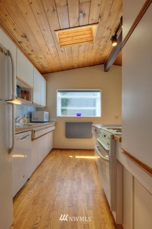 Sold Property   8649 21st Avenue NW Seattle, WA 98117 7