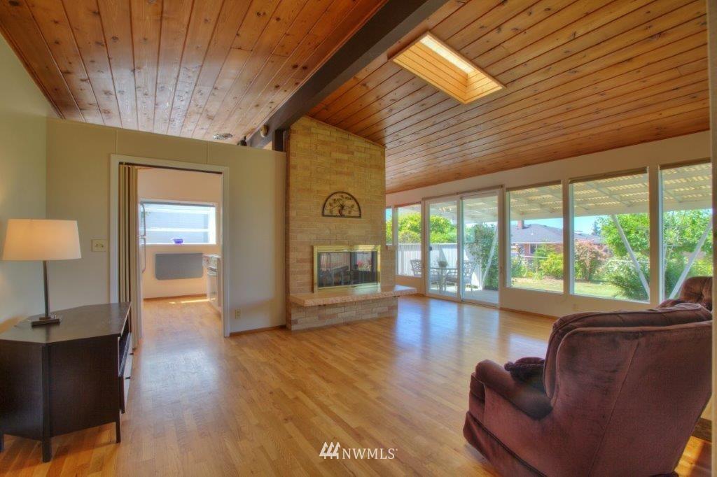 Sold Property   8649 21st Avenue NW Seattle, WA 98117 3