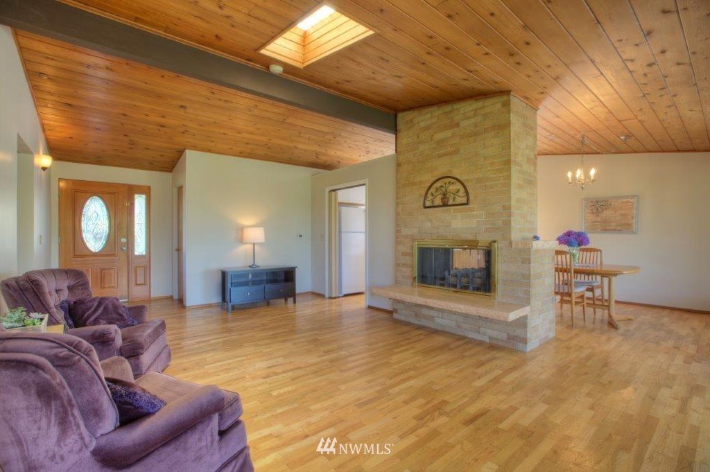 Sold Property   8649 21st Avenue NW Seattle, WA 98117 4