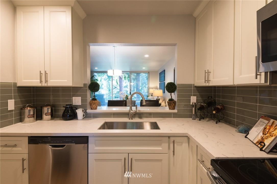 Sold Property | 17001 Inglewood Road NE #M212 Kenmore, WA 98028 3