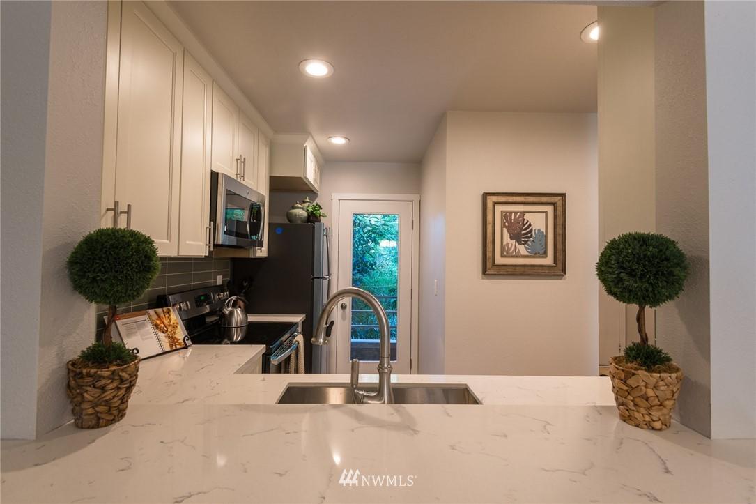 Sold Property | 17001 Inglewood Road NE #M212 Kenmore, WA 98028 5