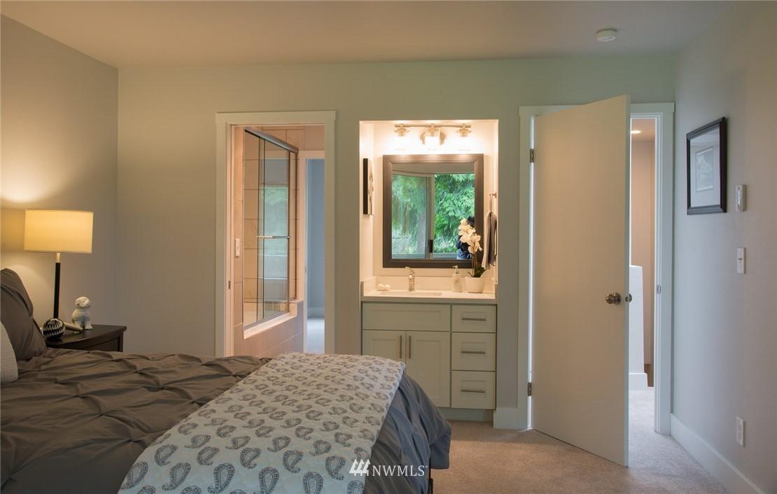 Sold Property | 17001 Inglewood Road NE #M212 Kenmore, WA 98028 8