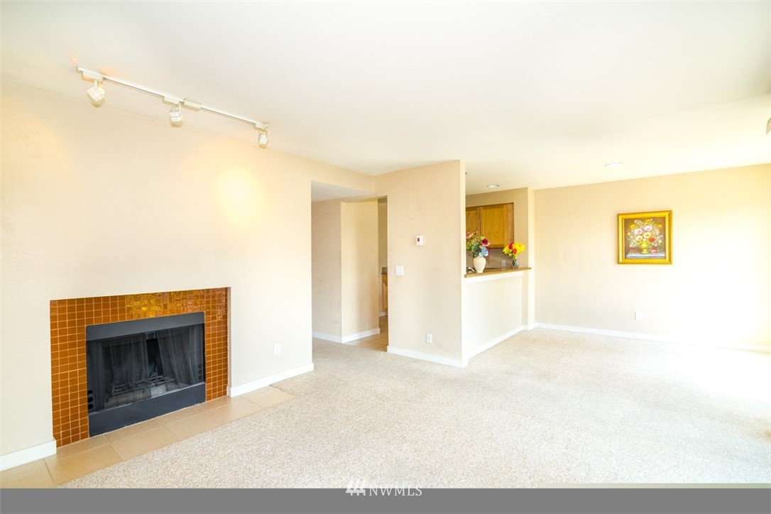 Sold Property | 1311 12th Avenue S #F301 Seattle, WA 98144 2