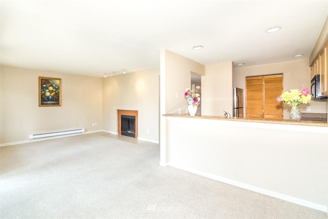 Sold Property | 1311 12th Avenue S #F301 Seattle, WA 98144 5