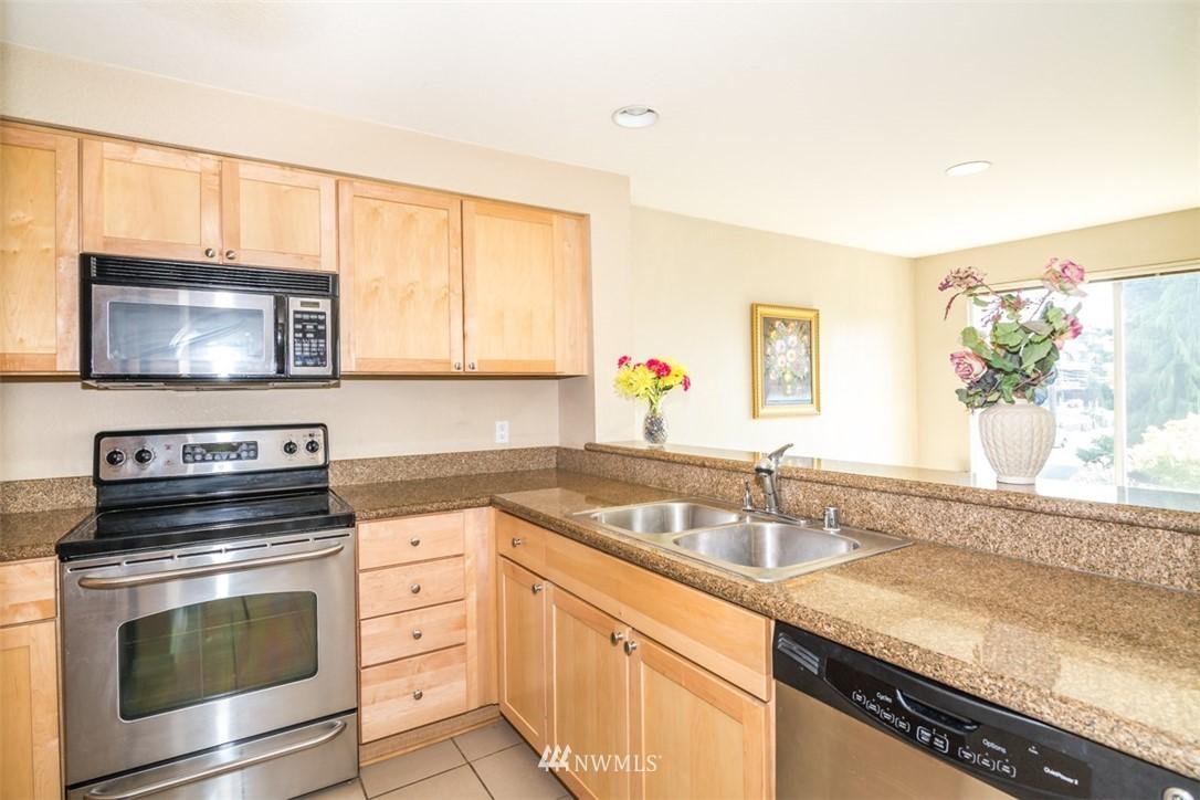 Sold Property | 1311 12th Avenue S #F301 Seattle, WA 98144 6
