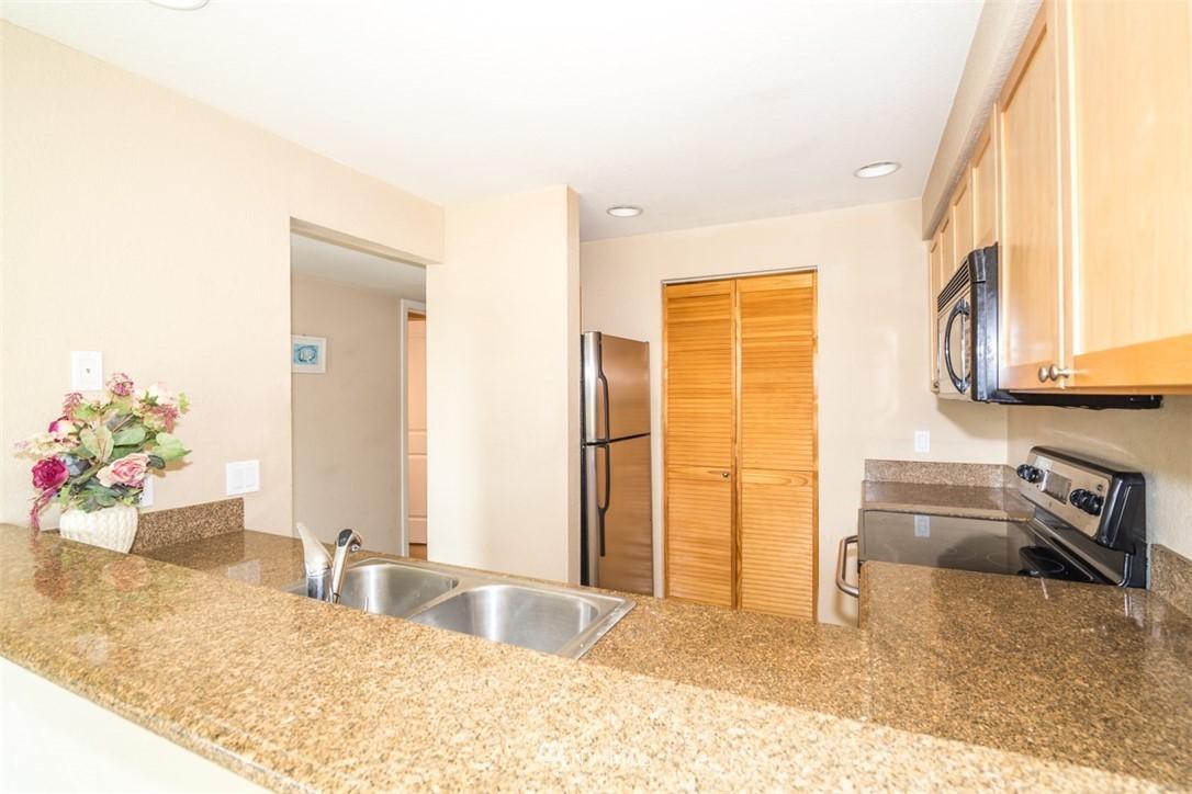 Sold Property | 1311 12th Avenue S #F301 Seattle, WA 98144 7