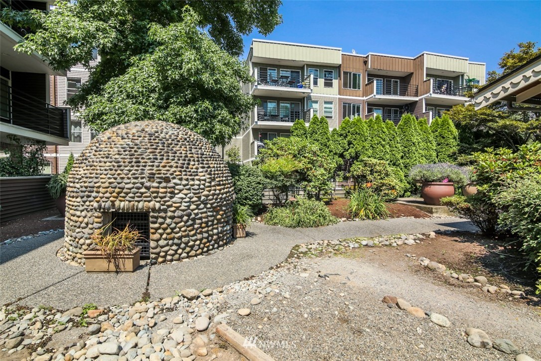 Sold Property | 1311 12th Avenue S #F301 Seattle, WA 98144 15