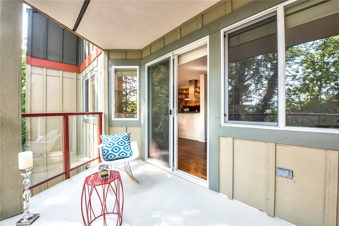 Sold Property | 11052 NE 33rd Place #A4 Bellevue, WA 98004 4