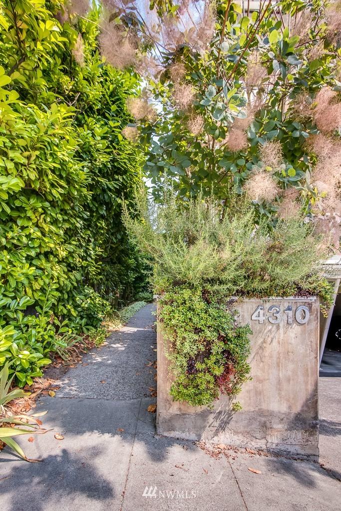 Sold Property | 4310 Dayton Avenue N ##302 Seattle, WA 98103 1