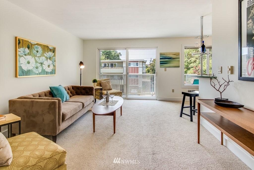 Sold Property | 4310 Dayton Avenue N ##302 Seattle, WA 98103 2