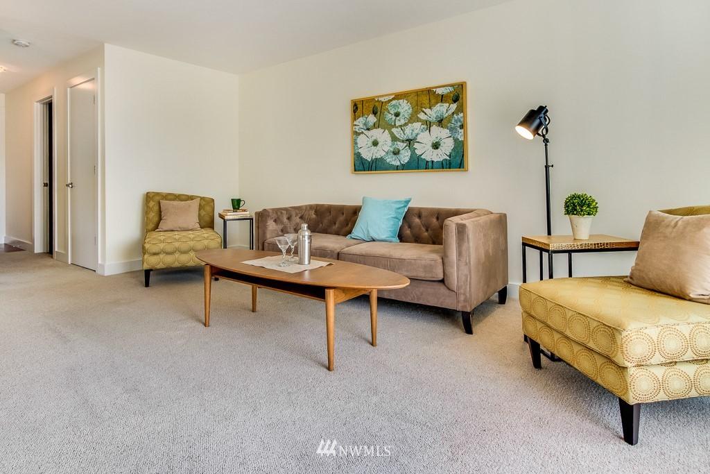 Sold Property | 4310 Dayton Avenue N ##302 Seattle, WA 98103 3