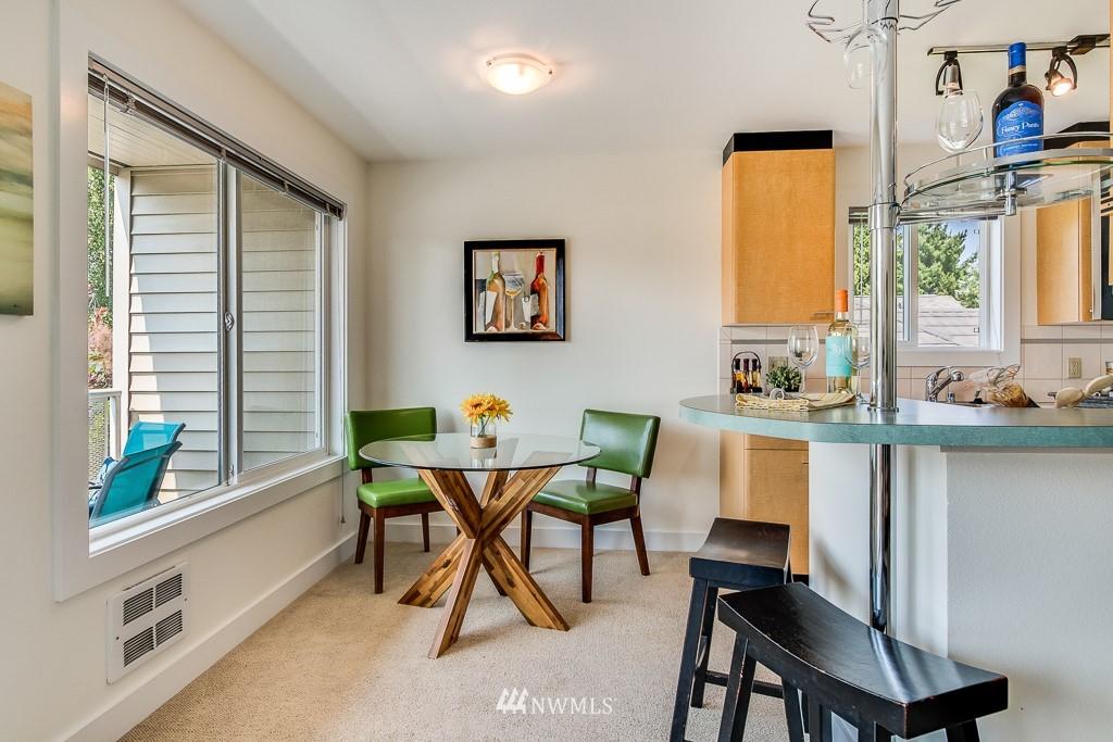 Sold Property | 4310 Dayton Avenue N ##302 Seattle, WA 98103 6