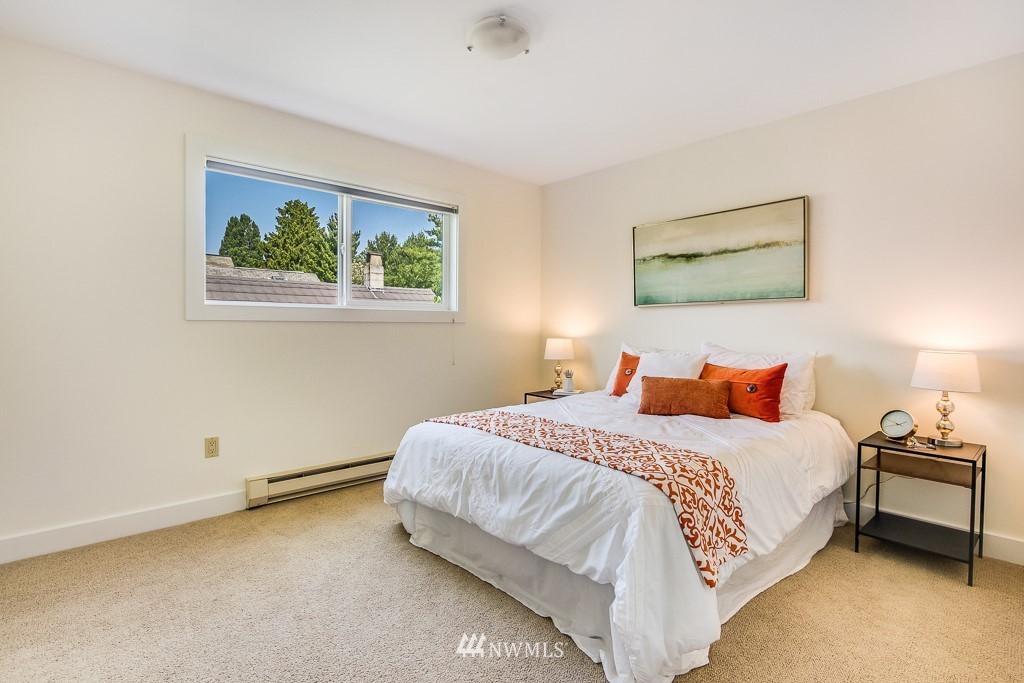 Sold Property | 4310 Dayton Avenue N ##302 Seattle, WA 98103 9