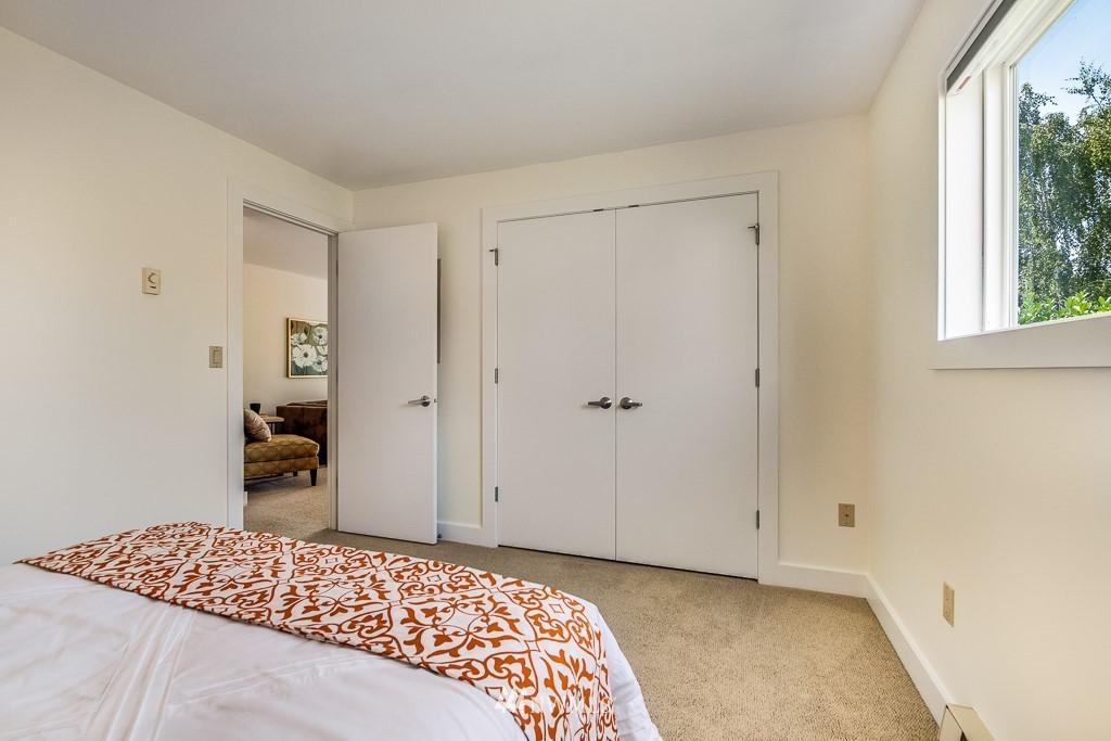 Sold Property | 4310 Dayton Avenue N ##302 Seattle, WA 98103 10