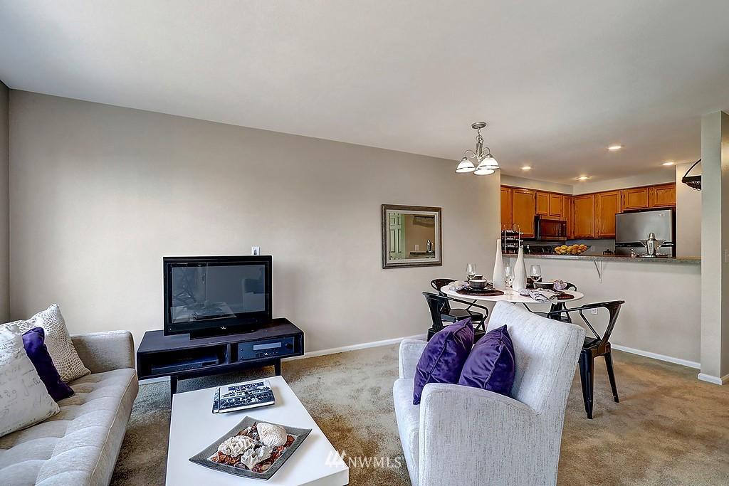 Sold Property | 8820 Nesbit Avenue N #302 Seattle, WA 98103 4