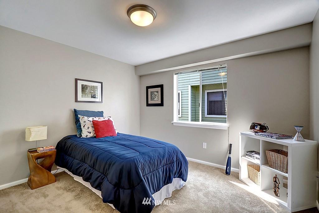 Sold Property | 8820 Nesbit Avenue N #302 Seattle, WA 98103 6