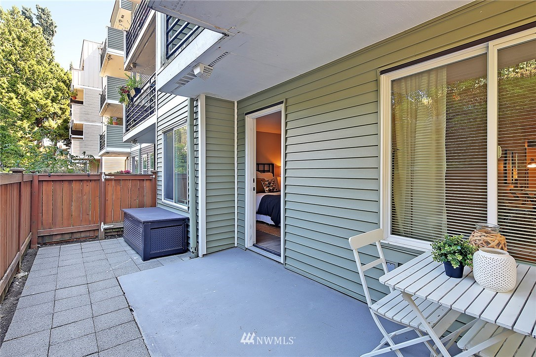 Sold Property | 1311 12th Avenue S #D101 Seattle, WA 98144 6